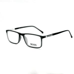 عینک با فریم چهار گوش