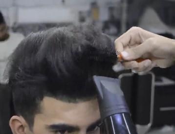 سشوار کشیدن مو برای شینیون مو مردانه و پسرانه5