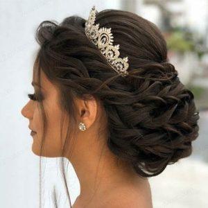 عکس مدل شنیون عروس پایین با تاج ۱۴۰۰